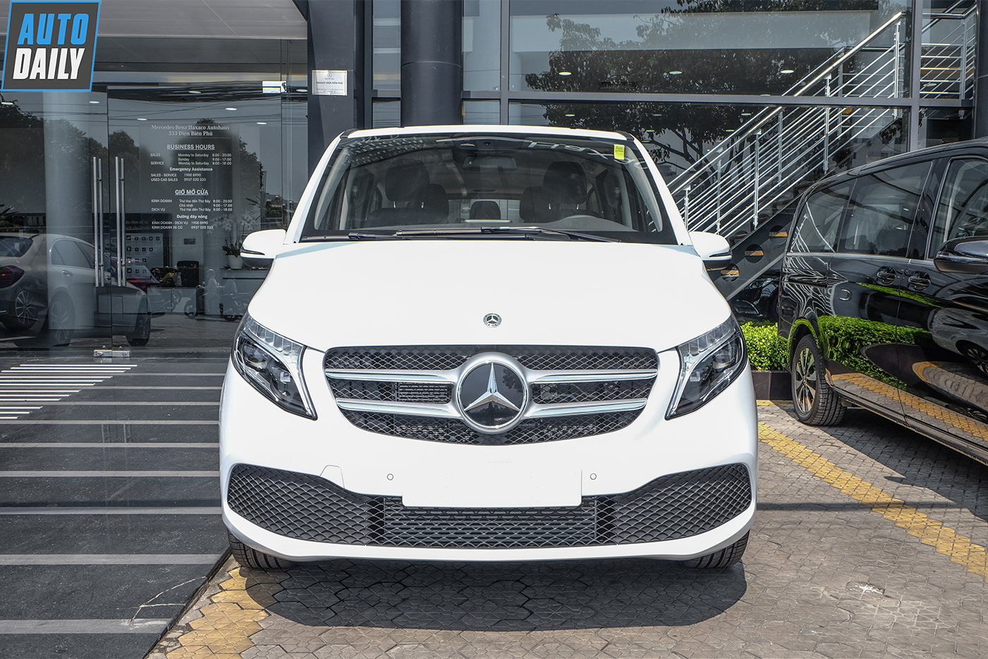 mercedes-benz-v-250-luxury-20.jpg