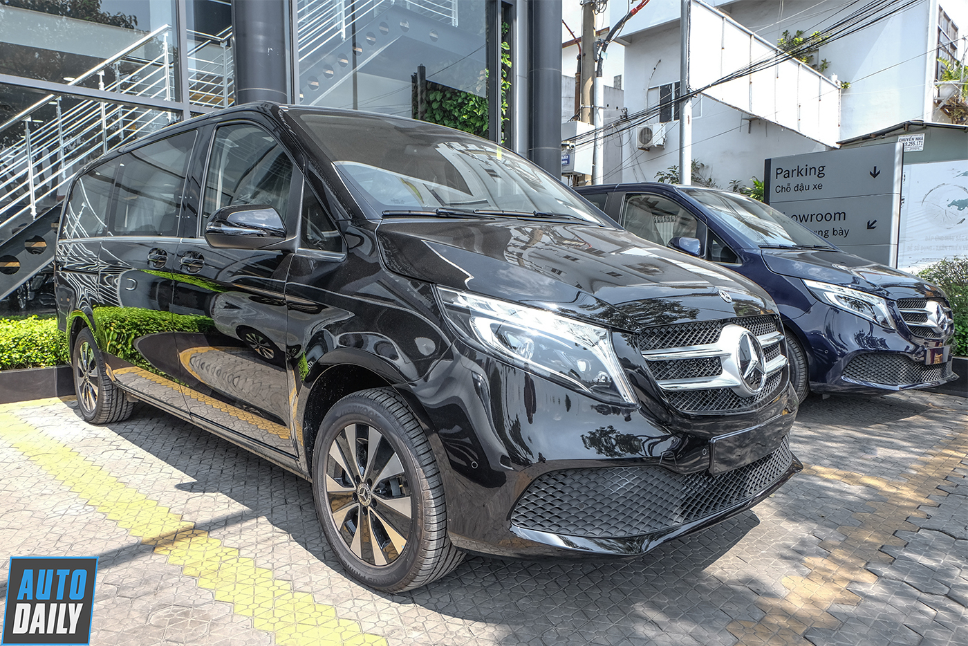 mercedes-benz-v-250-luxury-28.jpg