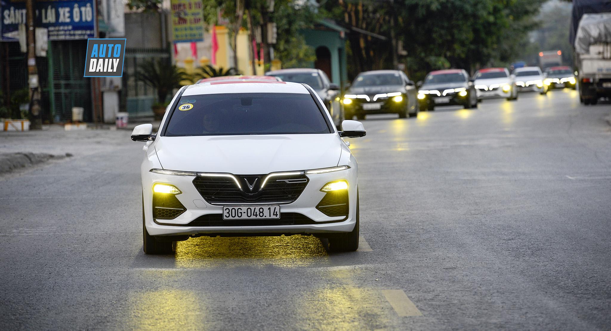 Giành huy chương vàng Seagames, HLV Mai Đức Chung được tặng 1 xe VinFast Lux A2.0