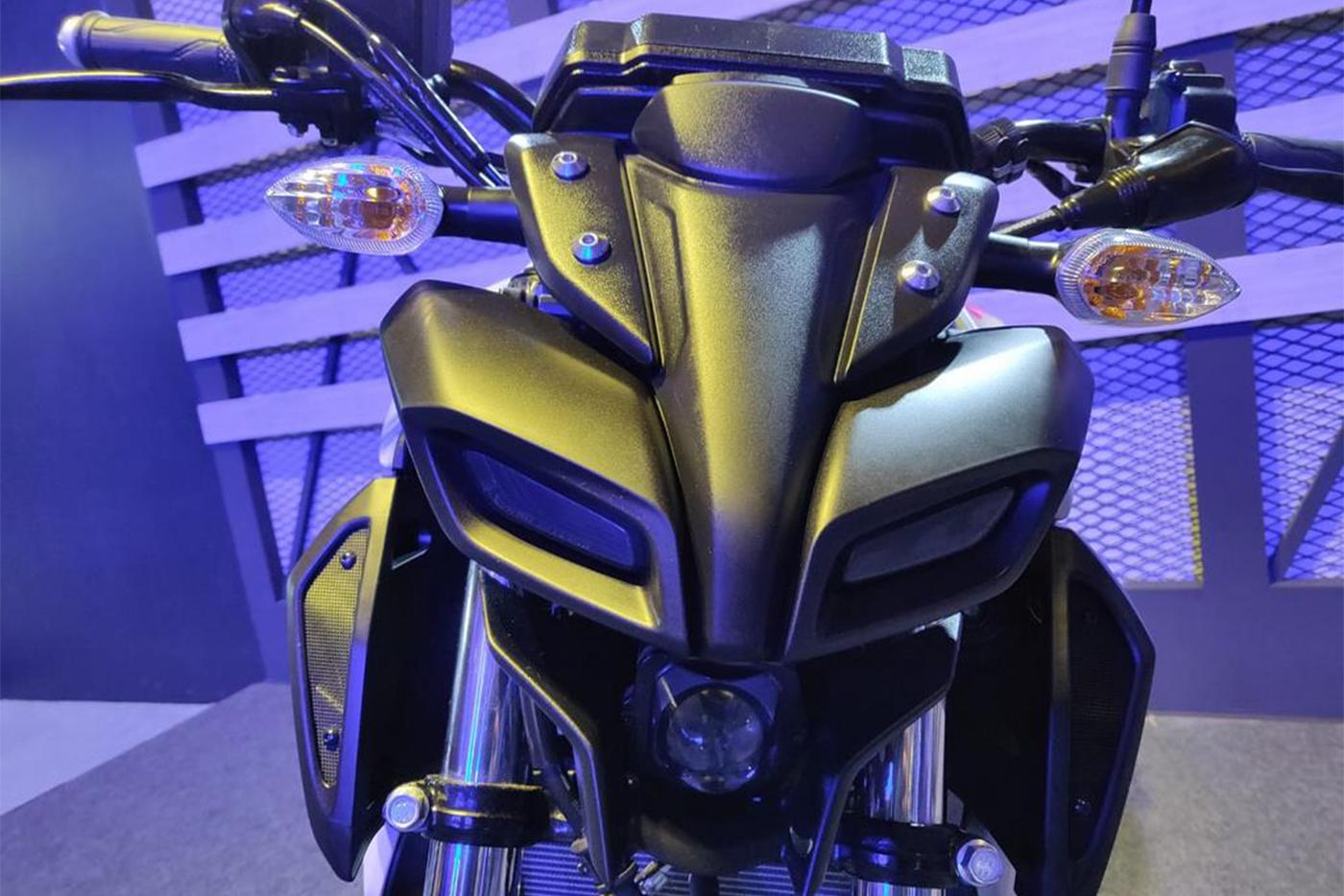 bs-vi-yamaha-mt-15-headlamp-0000.jpg