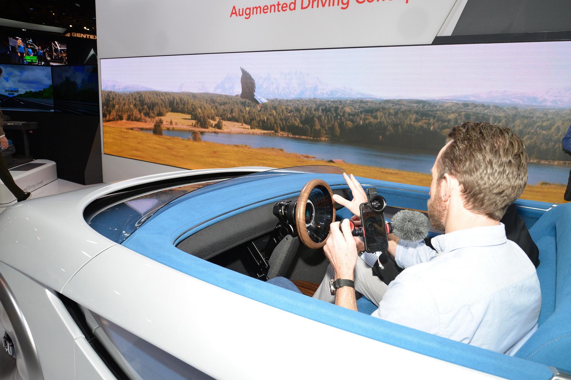 honda-augmented-driving-concept-ces-livepics-4.jpg