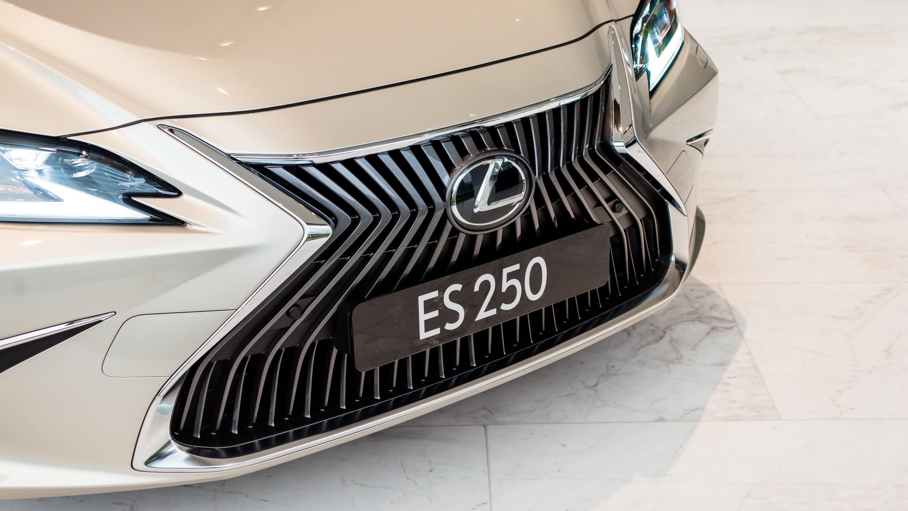 lexus-es-250-2020-18.jpg