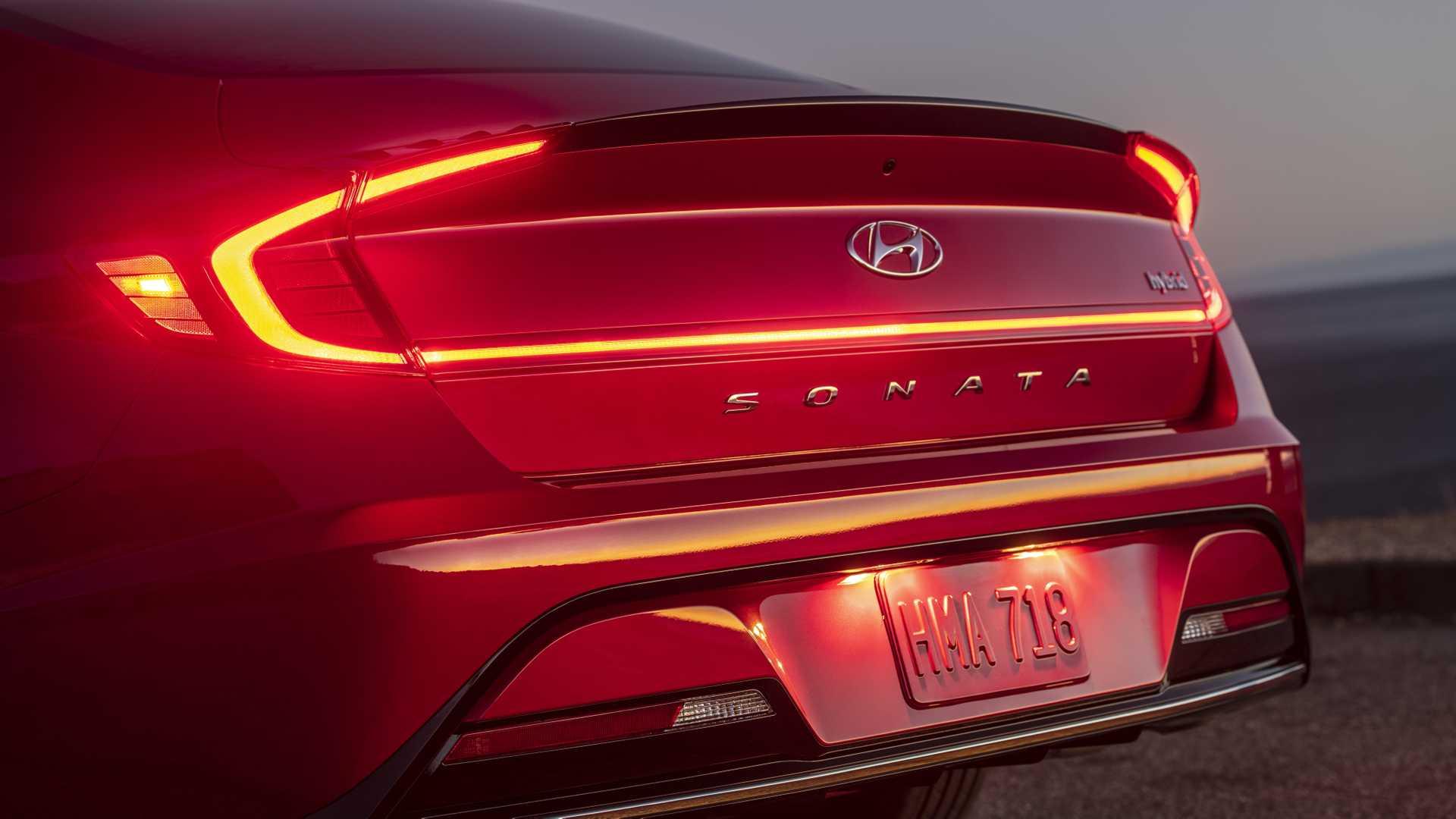 2020-hyundai-sonata-hybrid-8.jpg