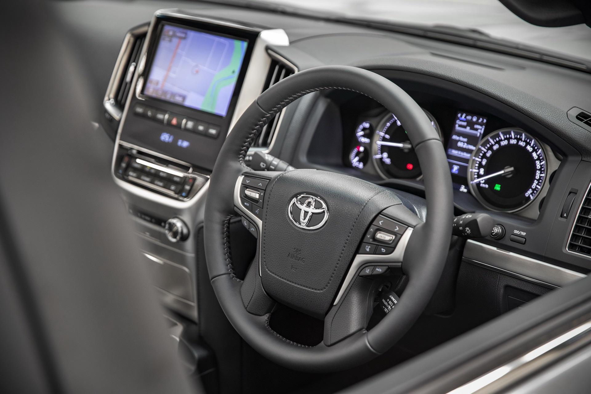2020-toyota-laund-cruiser-horizon-sahara-edition-australia-6.jpg