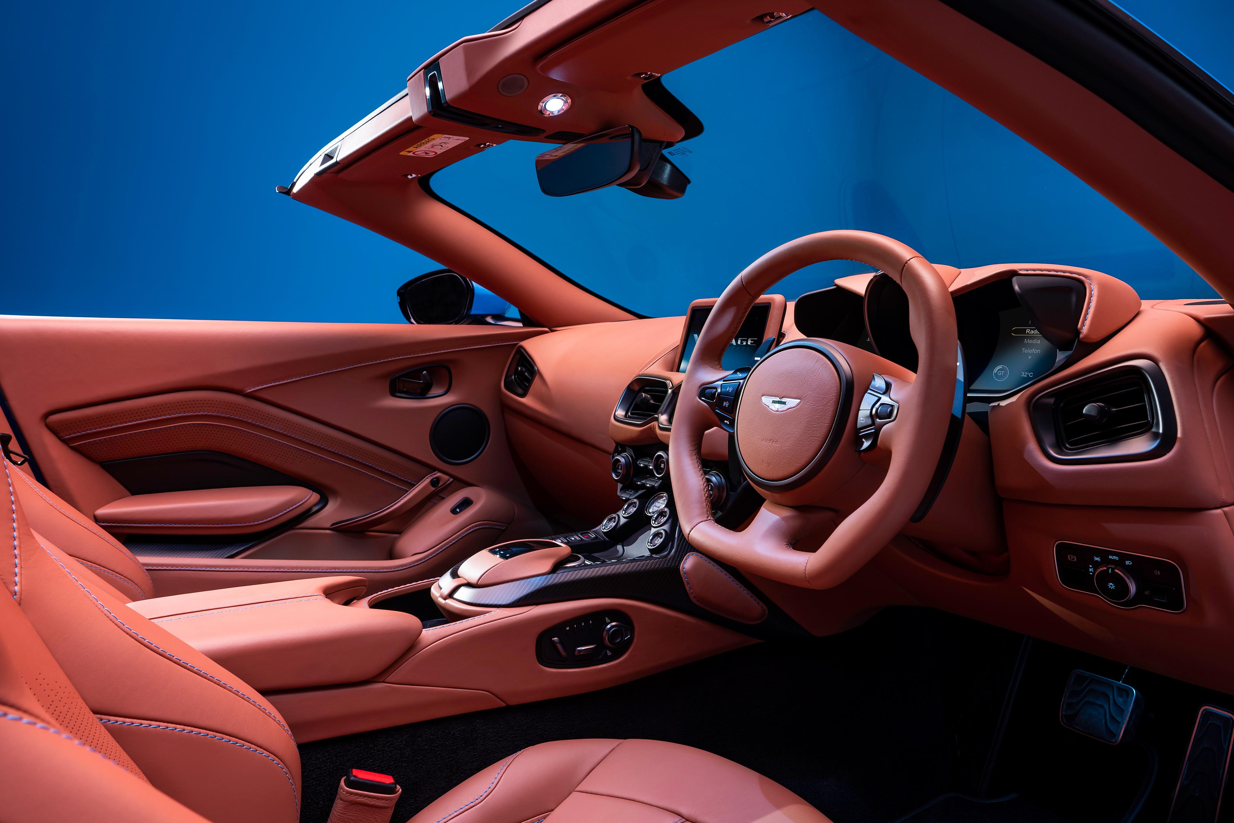 2020-aston-martin-vantage-roadster-9.jpg