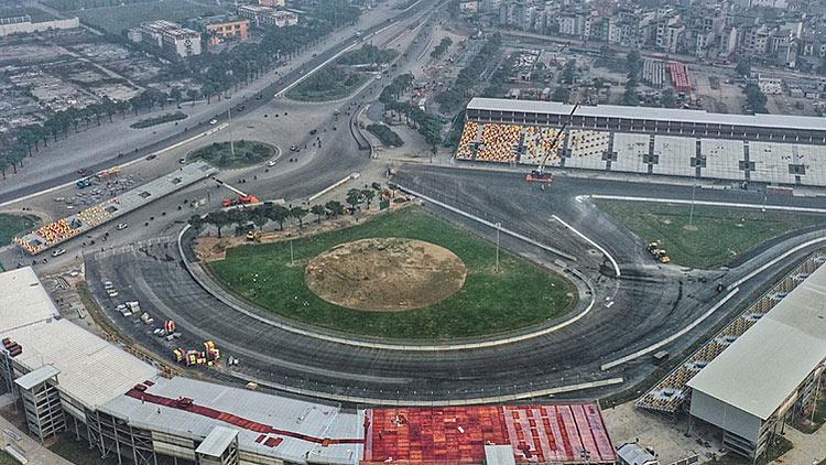 Hoãn chặng đua F1 Việt Nam