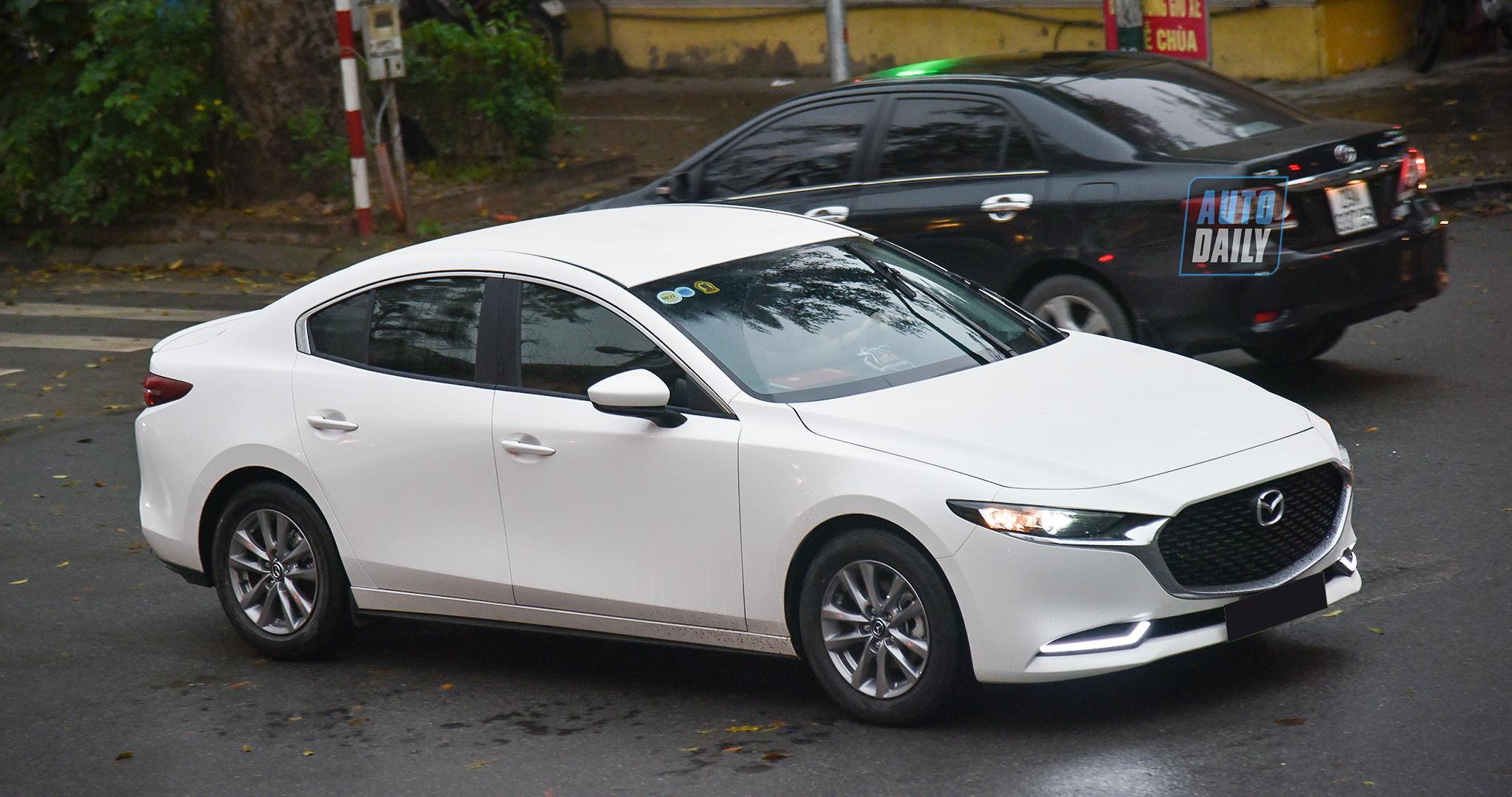 300 xe Mazda3 đời mới bị triệu hồi vì lỗi phanh tự động