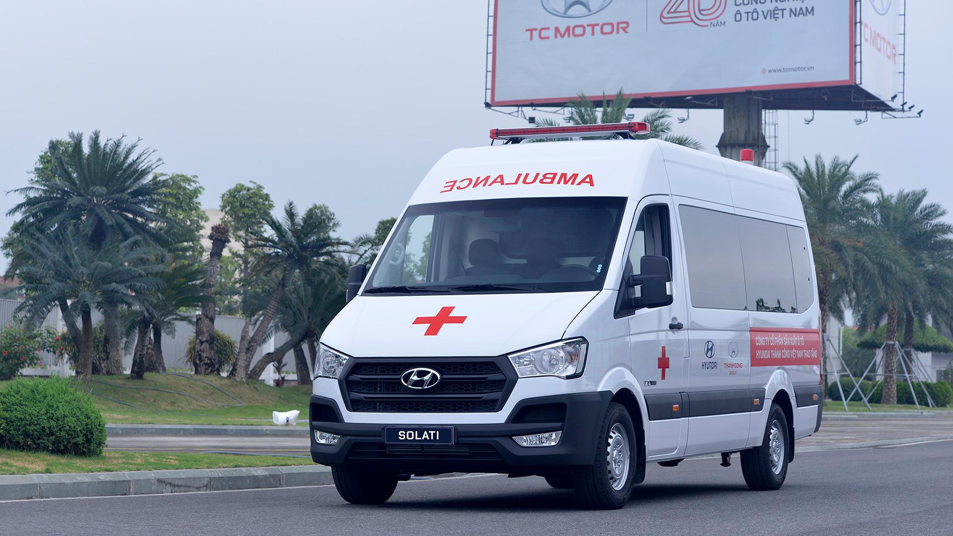 Tập đoàn Thành Công và Hyundai Motor tặng 10 xe Solati cứu thương