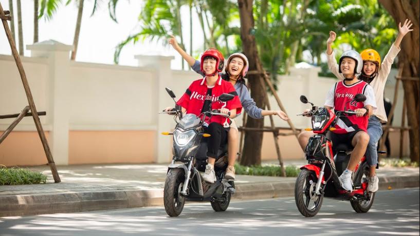 VinFast miễn phí 1 năm thuê bao pin xe máy điện cho 2020 khách hàng