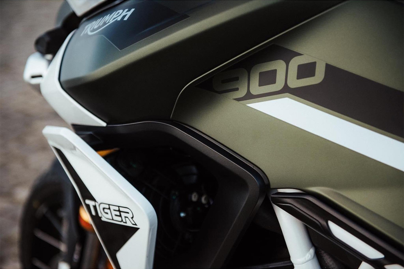 triumph-tiger-900-2020-3.jpg