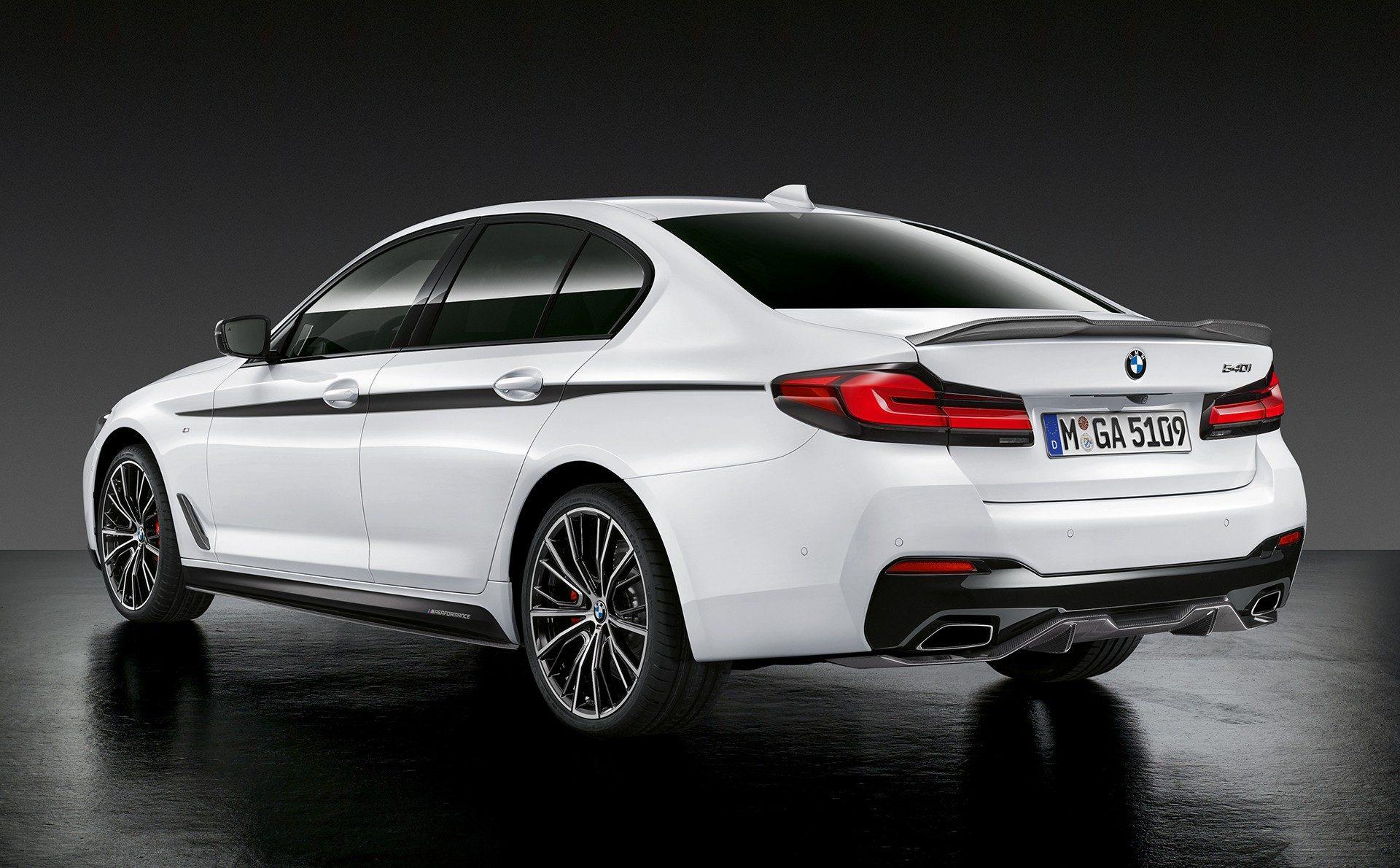 2021-bmw-5-series-sedan-touring-01.jpg