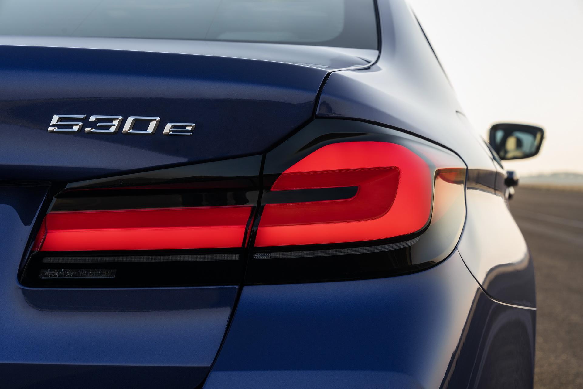 2021-bmw-5-series-sedan-touring-14-1.jpg