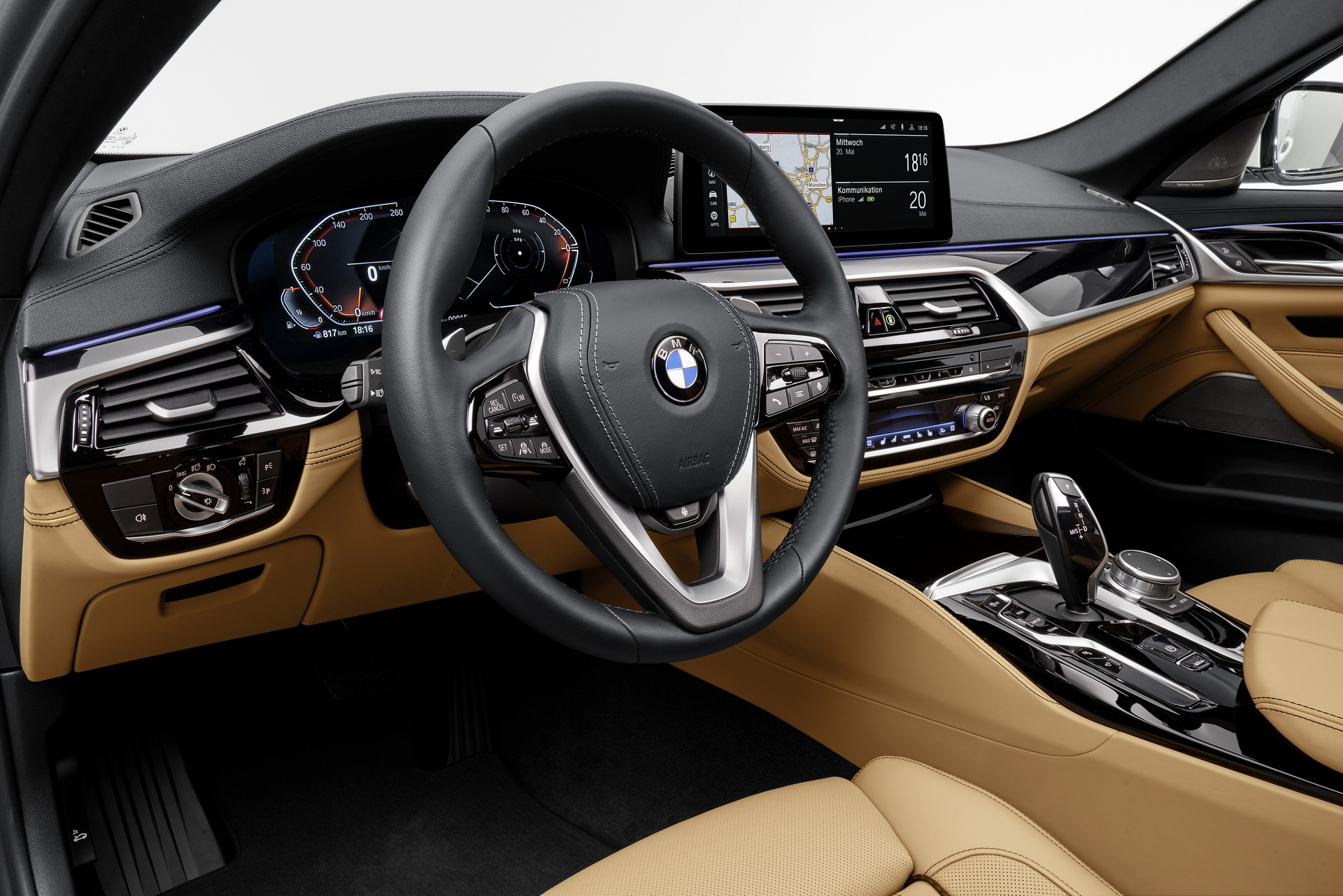 2021-bmw-5-series-sedan-touring-66.jpg