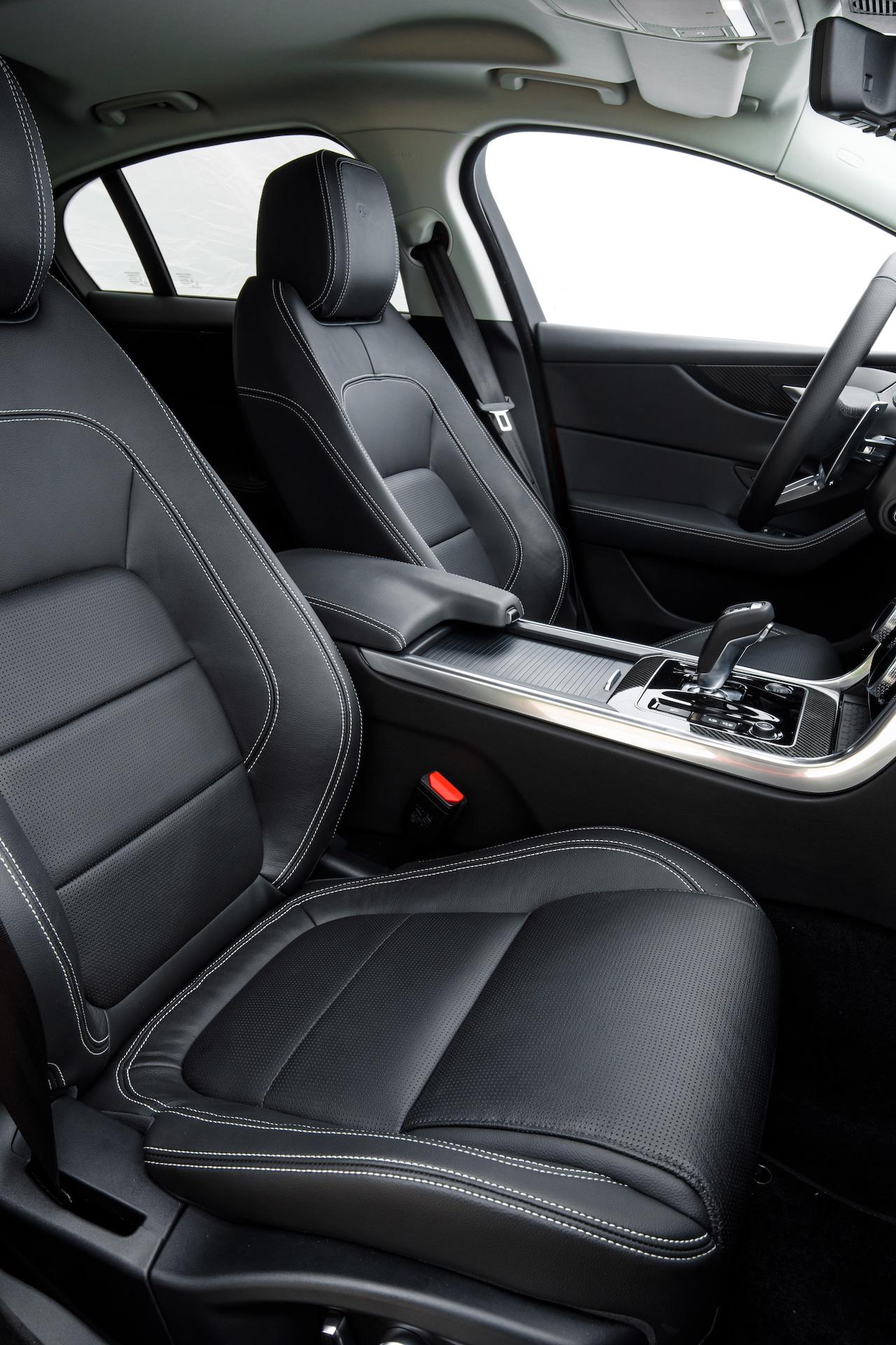 jaguar-xe-2020-3.JPG
