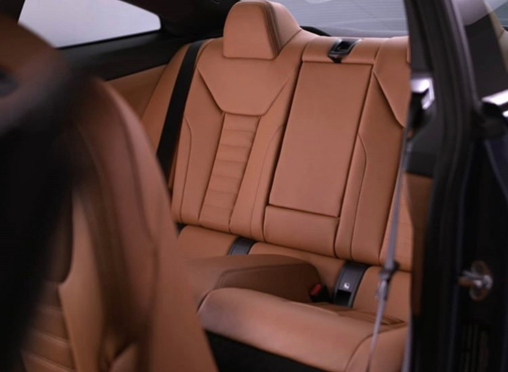 2021-bmw-4-series-coupe-interior-1.jpg