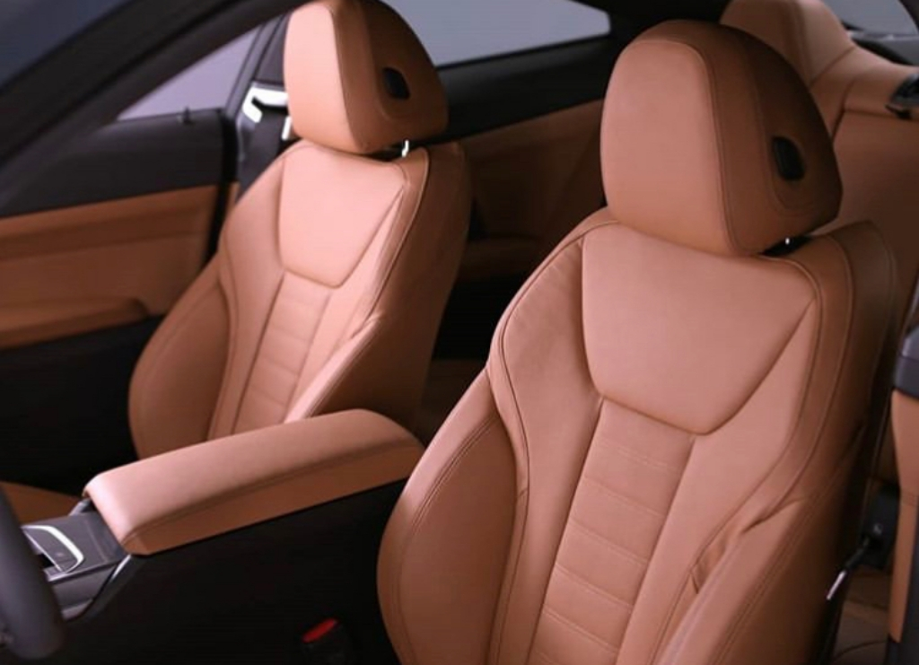 2021-bmw-4-series-coupe-interior-2.jpg
