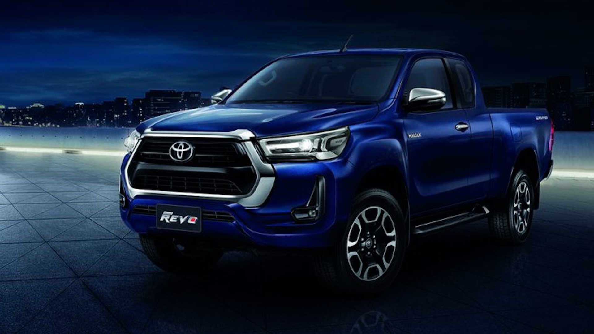2021-toyota-hilux-launched-in-thailand-3.jpg