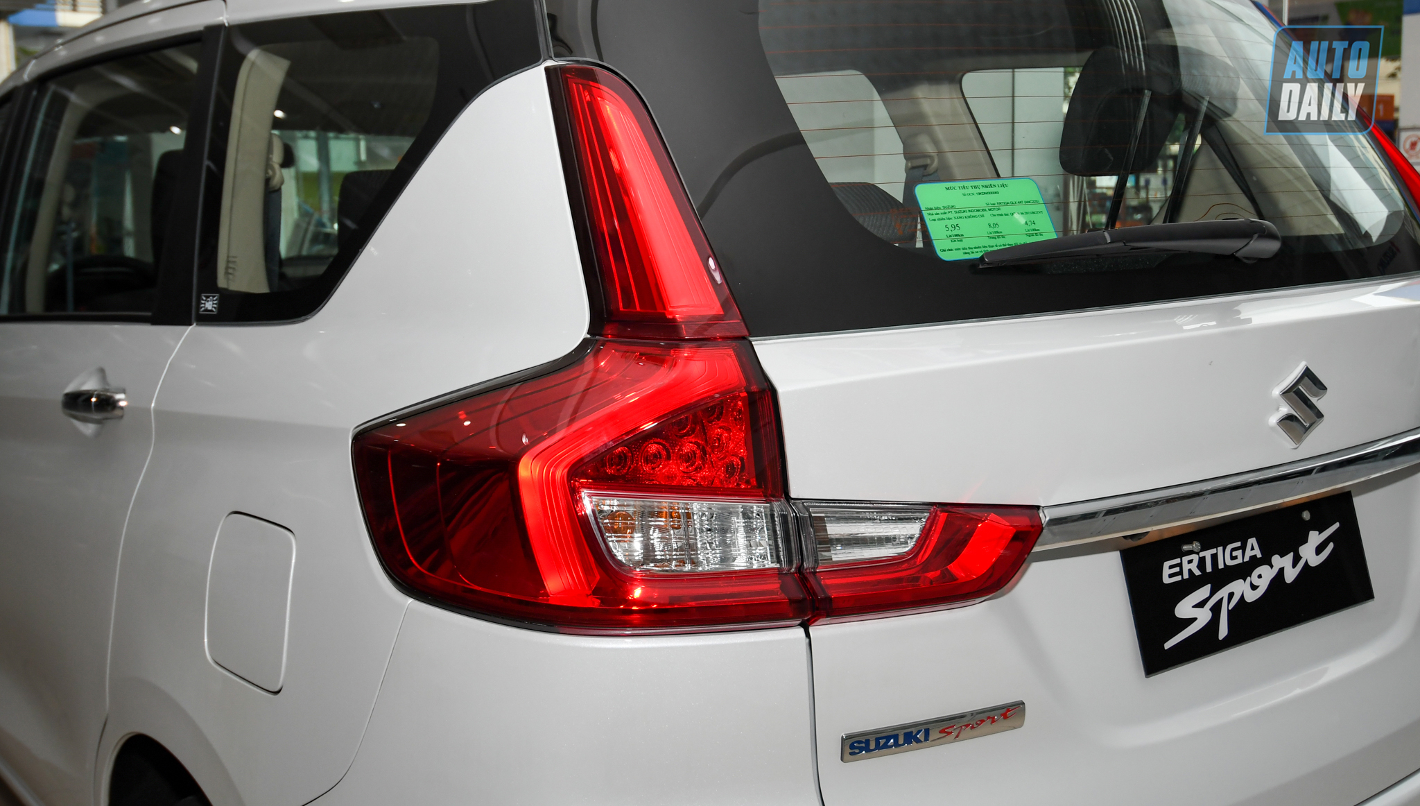 So sánh Mitsubishi Xpander AT 2021 và Suzuki Ertiga Sport 2021