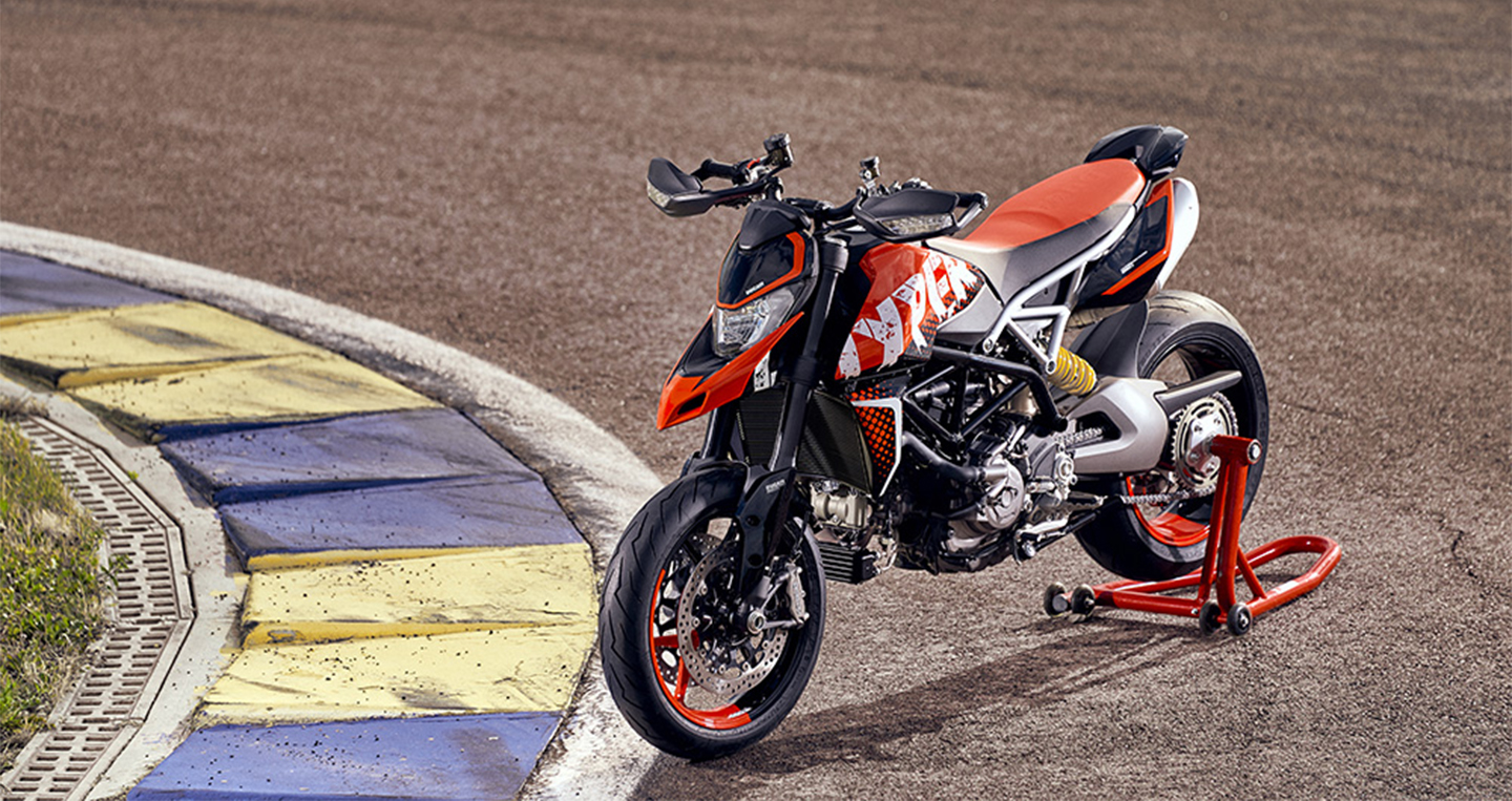 2020-ducati-hypermotard-950-rve-low-res-15.jpg