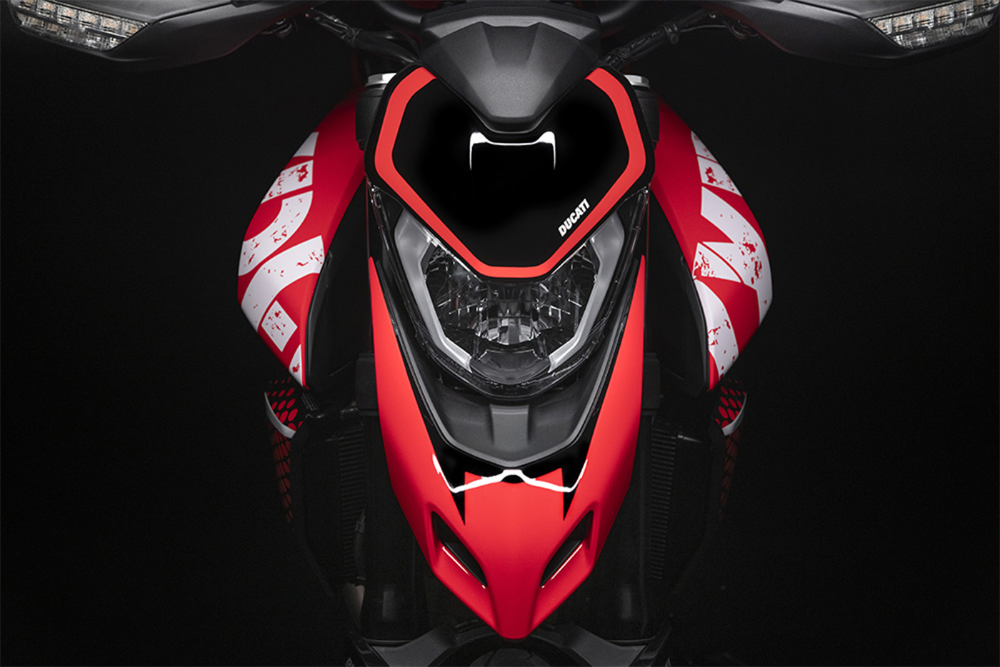 2020-ducati-hypermotard-950-rve-low-res-6.jpg