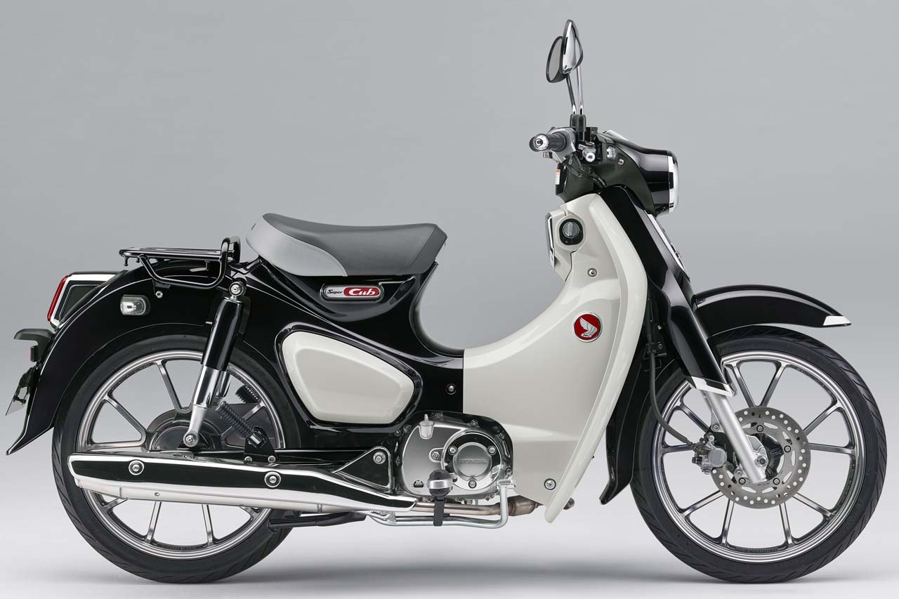honda-supercub-c125-model-2020-pearl-shining-black-mau-moi-1.jpg