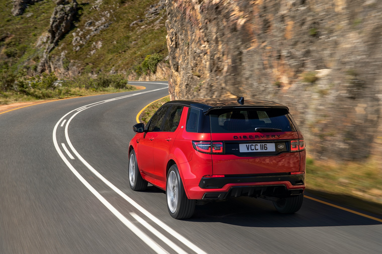 land-rover-discovery-sport-2.jpg