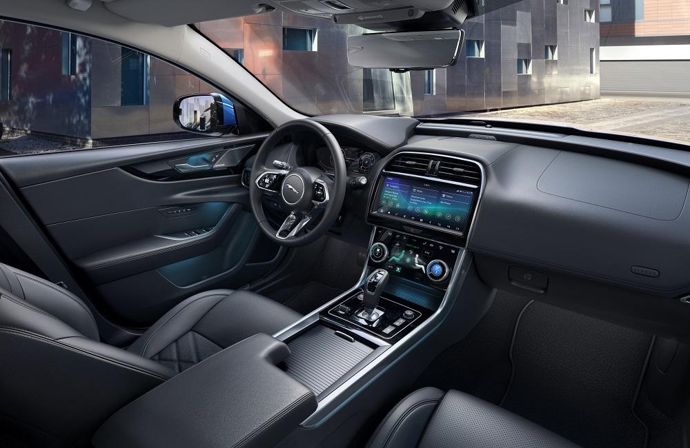 jaguar-xe-2020-2.jpg