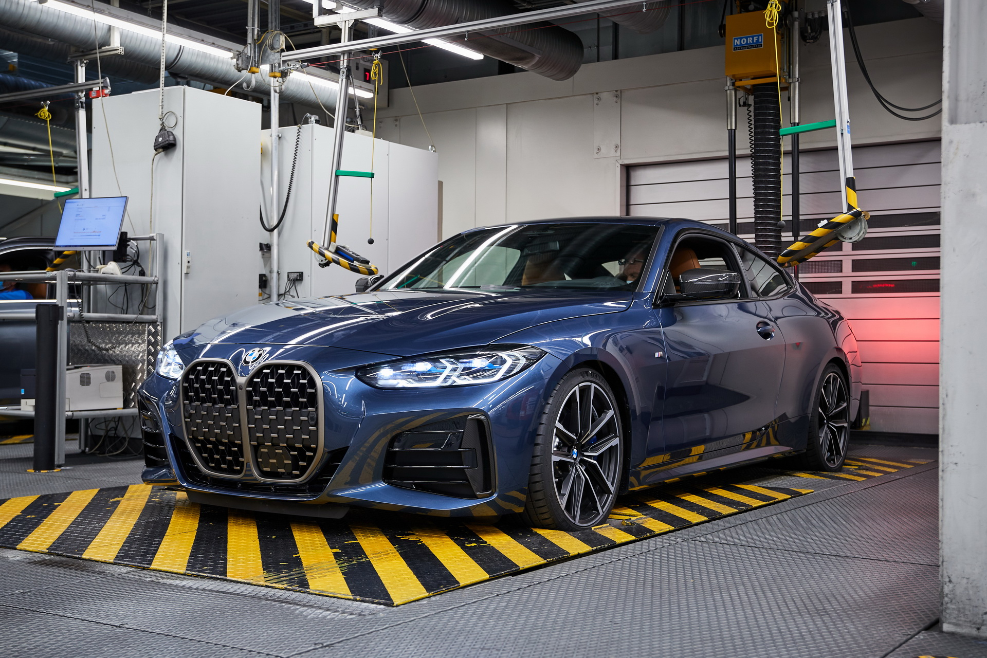 2021-bmw-4-5-6-series-production-dingolfing-23.jpg