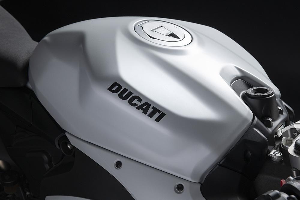 2020-ducati-panigale-v2-star-silk-white-23.jpg