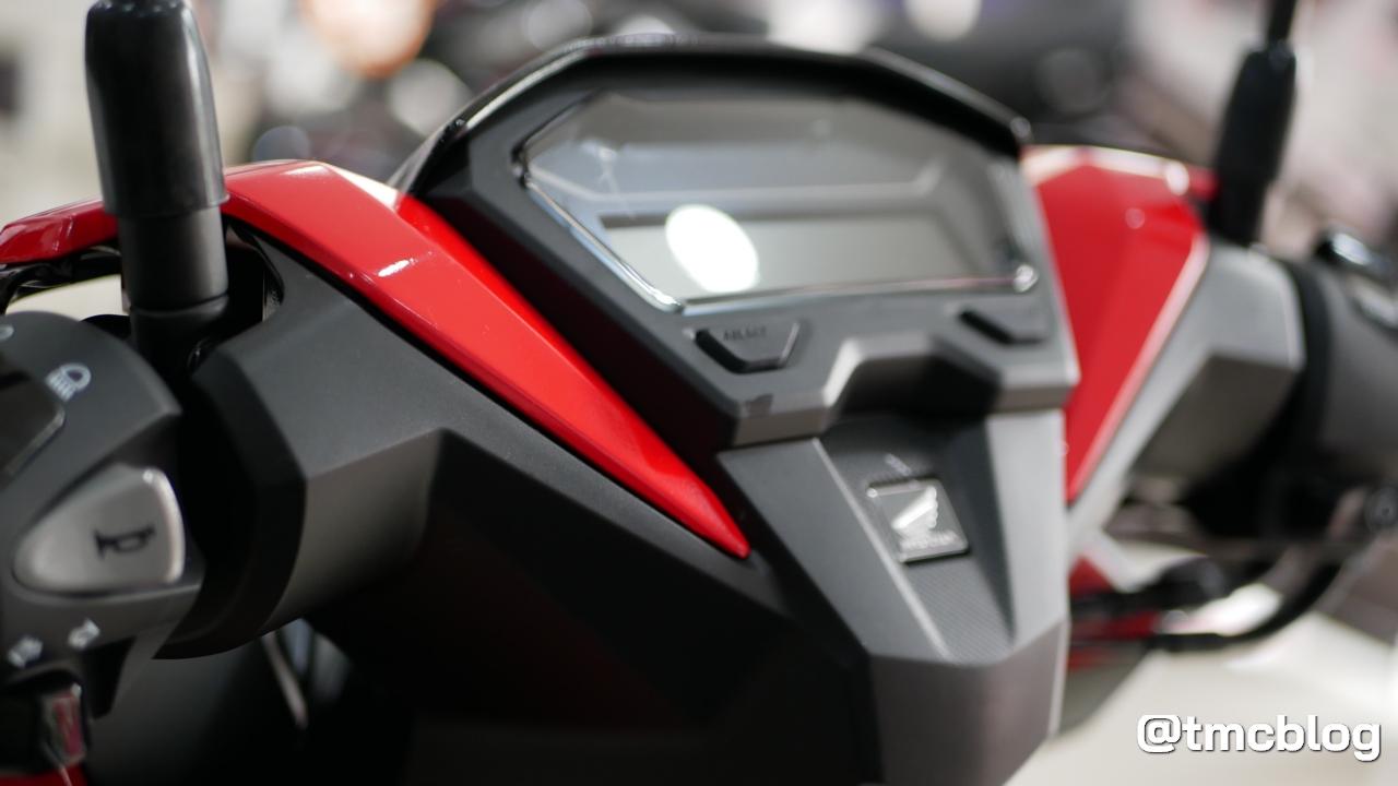 vario-150-white-red-11.jpg