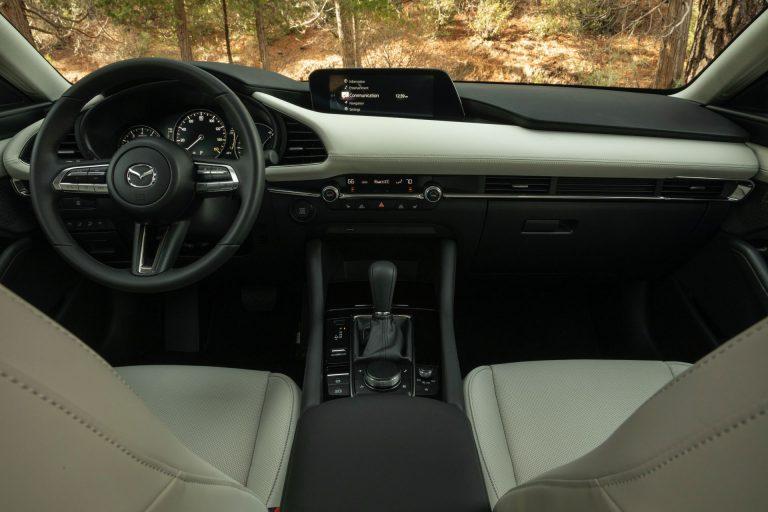 2020-mazda3-sedan-1-768x512.jpg