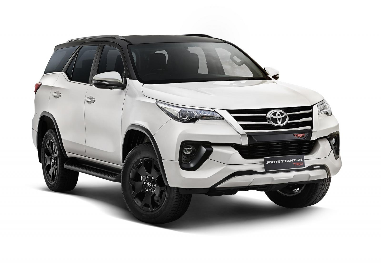 toyota-fortuner-trd-front-right-9c6a.jpg