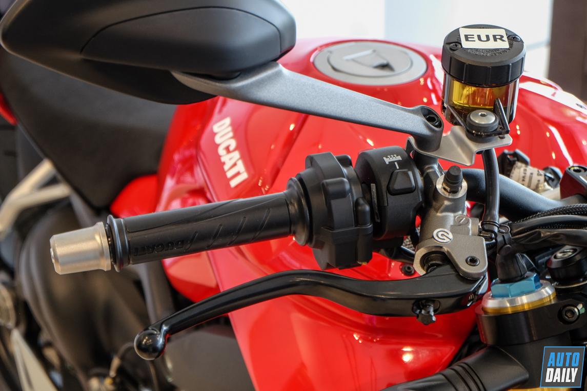 ducati-streetfighter-v4-s-13.jpg