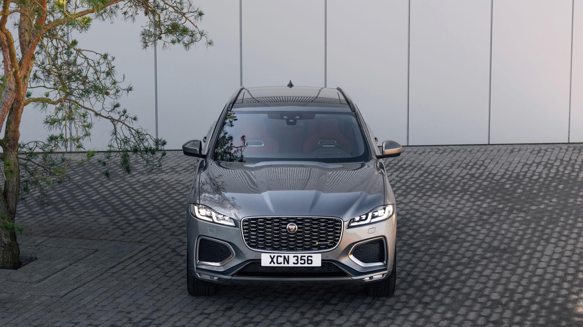 2021-jaguar-f-pace-119.jpg