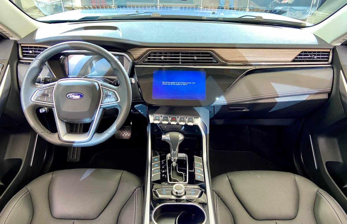 Loạt xe hot sắp ra mắt, hứa hẹn gây sốt thị trường xe Việt năm 2021 Không phải Escape, đây mới là mẫu SUV Ford sắp bán tại Việt Nam? interior-02.jpg