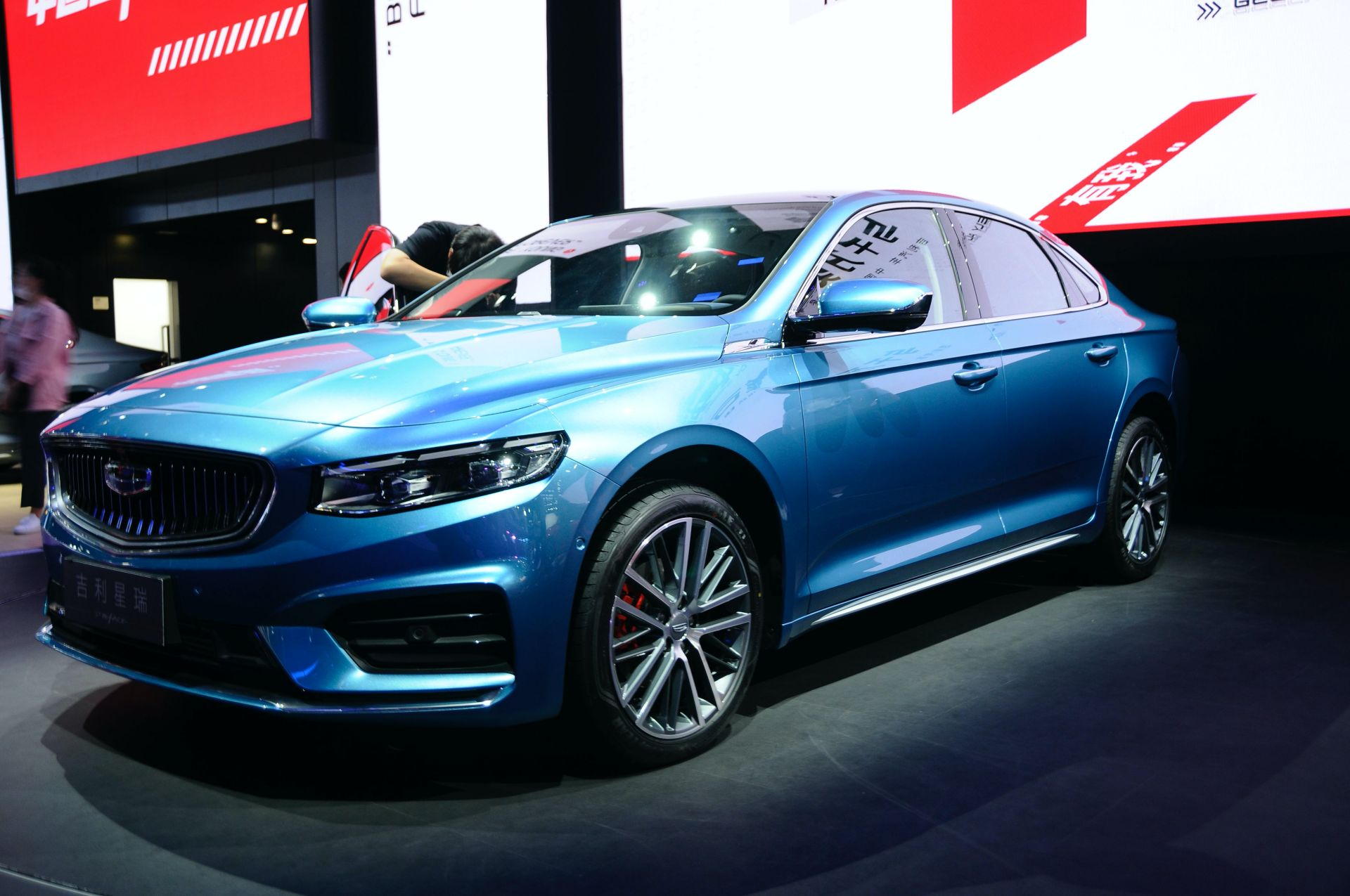 2021-Geely-Preface-aka-Xing-Rui-at-the-2020-Beijing-Auto-Show-3.jpg