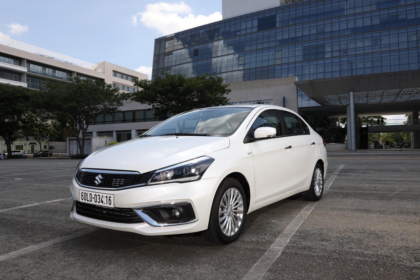 Suzuki Ciaz mới –  Lựa chọn sáng suốt với chi phí đầu tư hợp lý ciaz-moi-so-huu-khoang-noi-that-rong-bac-nhat-trong-phan-khuc-hang-b-va-so-huu-hang-loat-tinh-nang-uu-viet.JPG