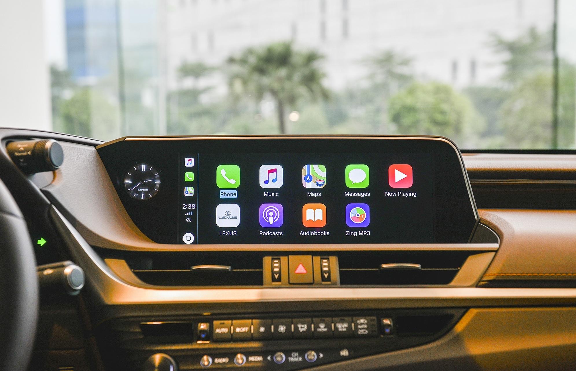 Lexus ES 2021 ra mắt tại Việt Nam: Tăng an toàn, giá không đổi noi-that-es-250-1.jpg