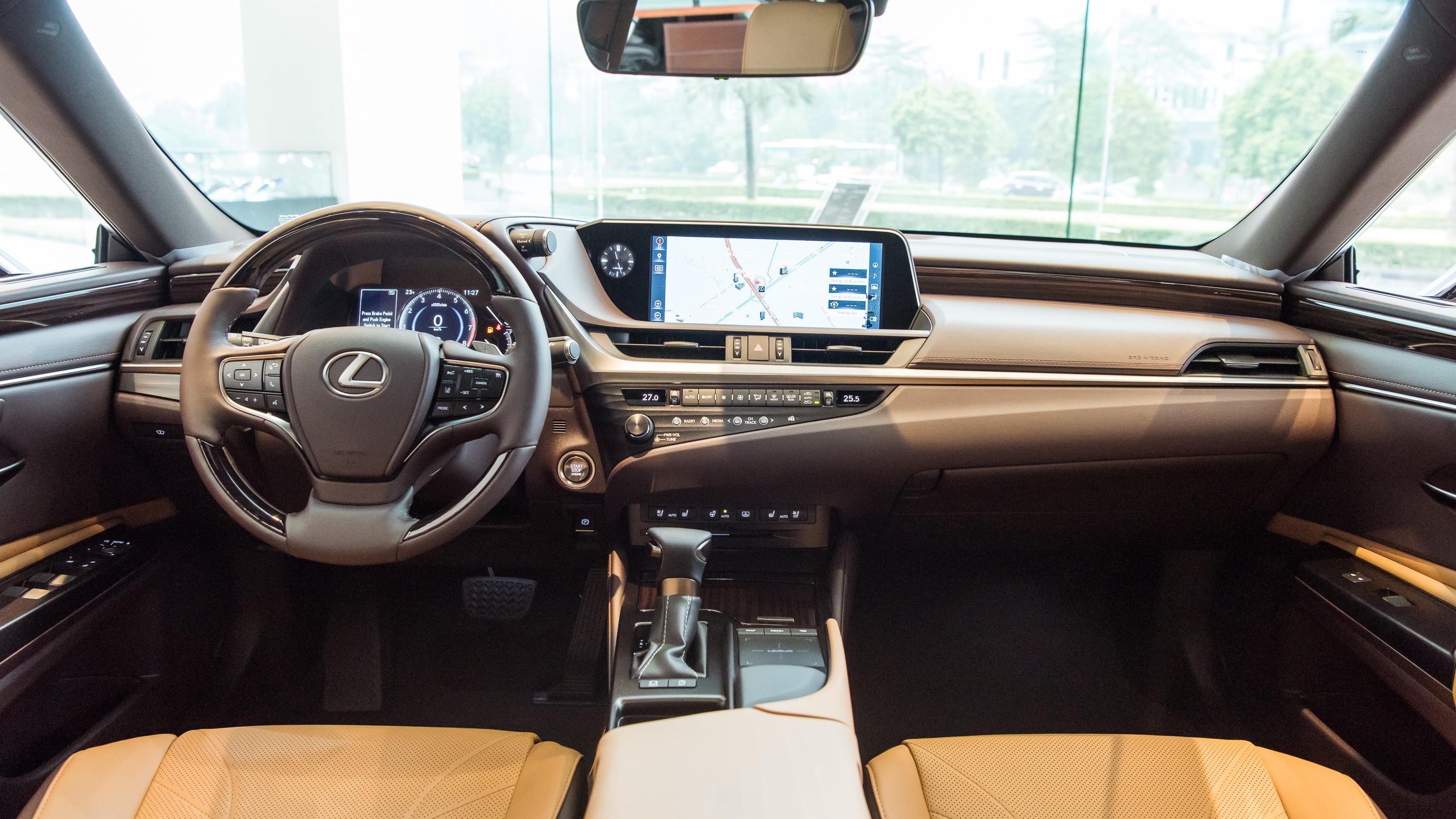 Lexus ES 2021 ra mắt tại Việt Nam: Tăng an toàn, giá không đổi noi-that-lexus-es-250.jpg