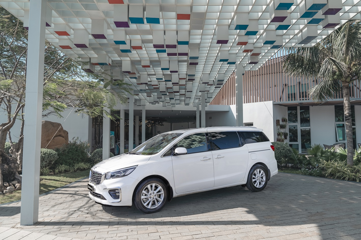 Kia Sedona Signature: Xứng tầm đẳng cấp xe gia đình 7 chỗ cỡ lớn