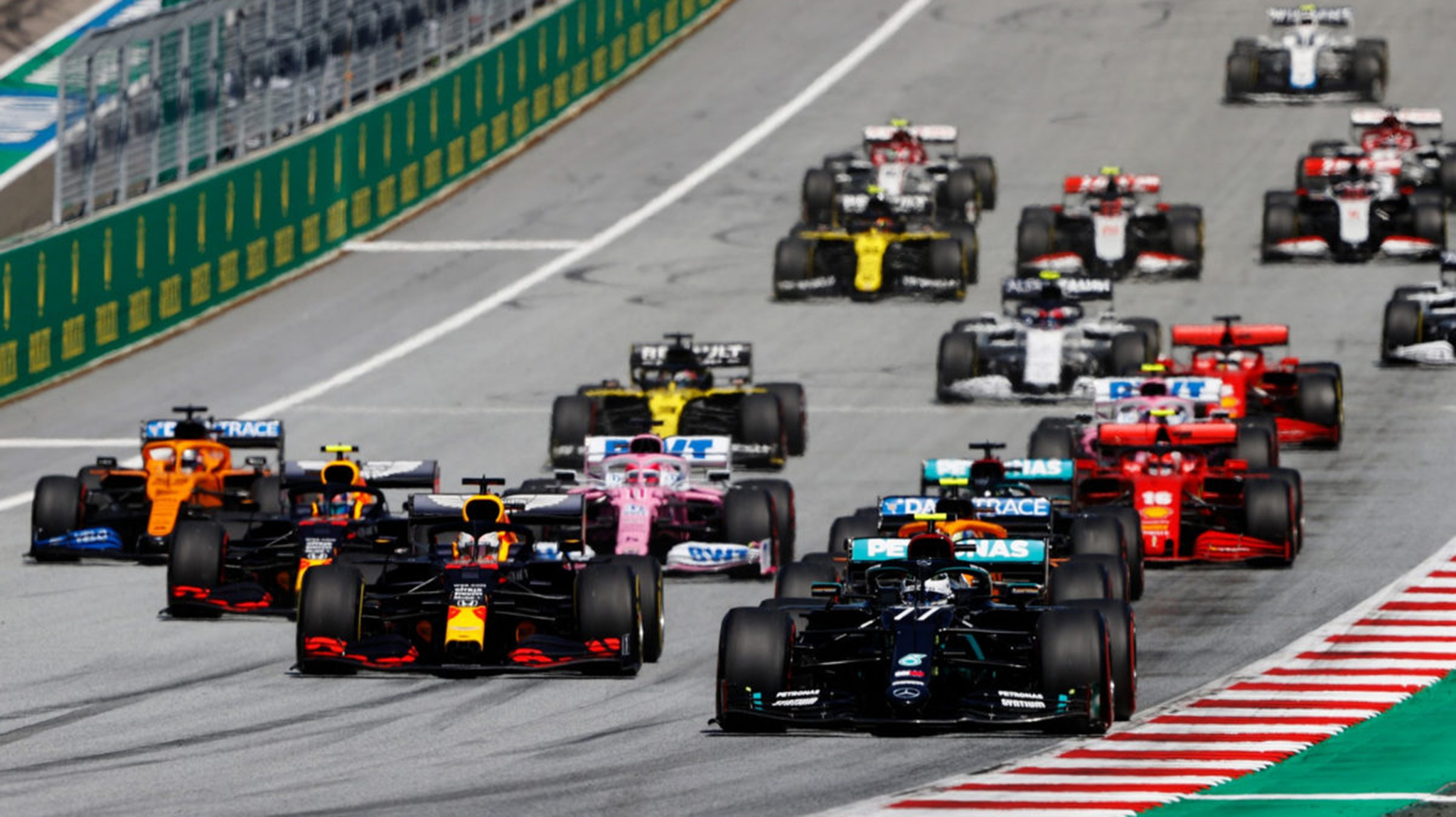 Điểm mặt 20 tay đua chính tham dự F1 mùa giải 2021