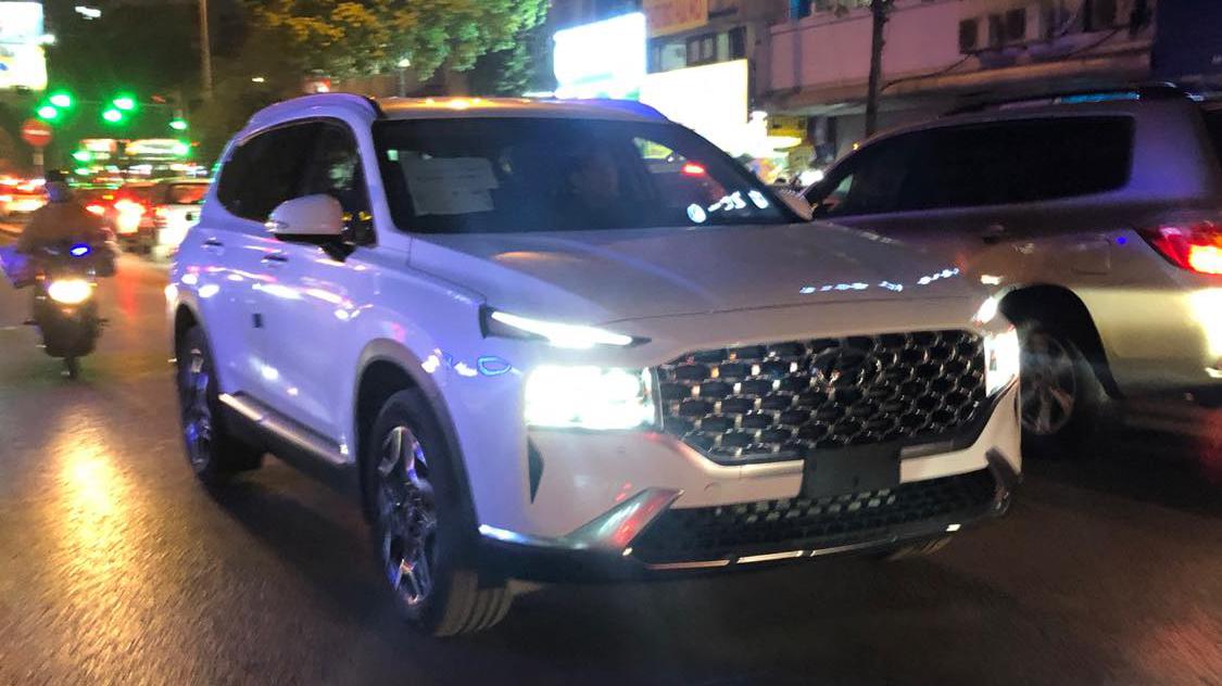 Loạt xe hot sắp ra mắt, hứa hẹn gây sốt thị trường xe Việt năm 2021 Thêm Hyundai Santa Fe 2021 về Việt Nam, bản nhập khẩu hyundai-santafe-2021-03.jpg