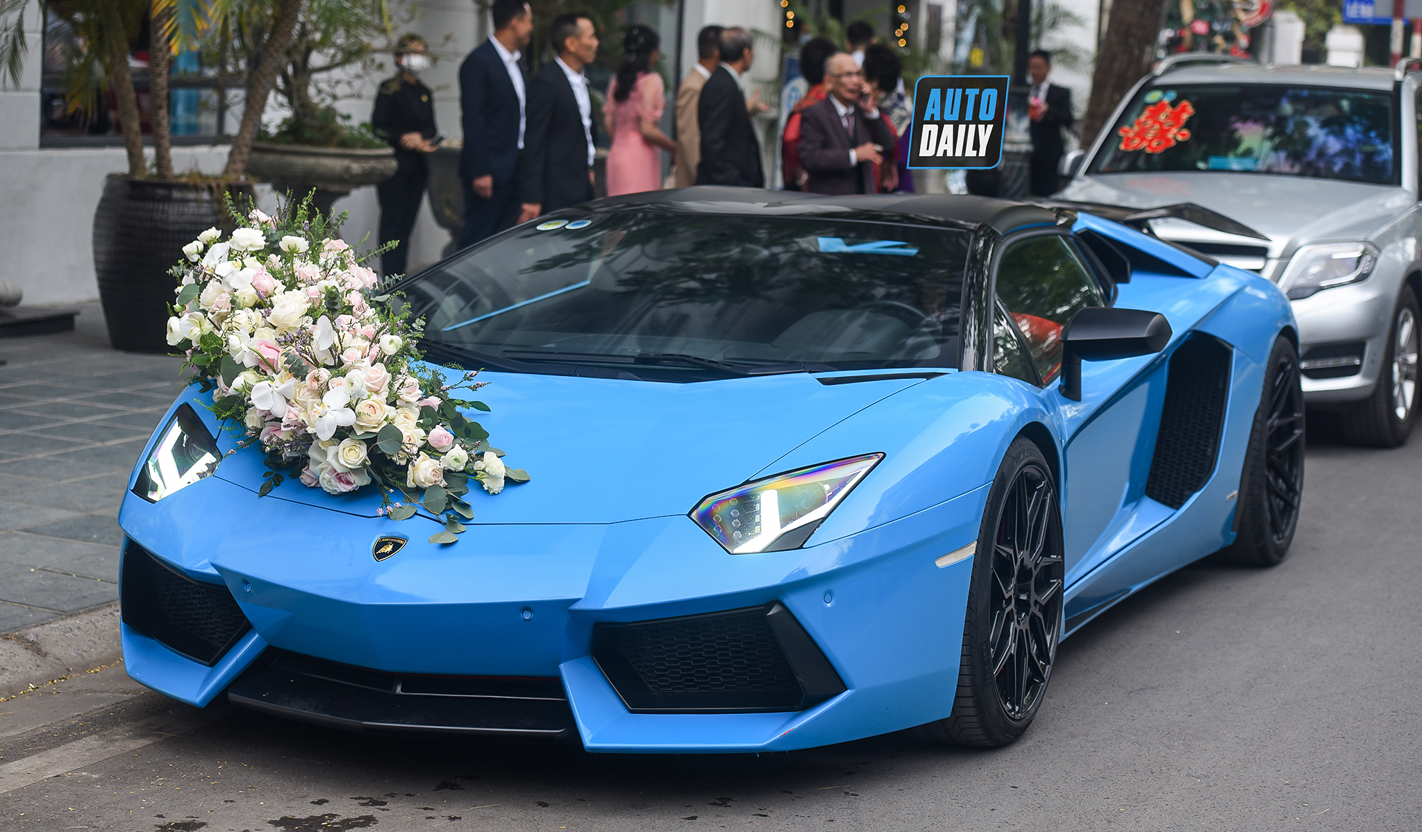 Siêu xe Lamborghini Aventador mui trần làm xe hoa tại Hải Phòng
