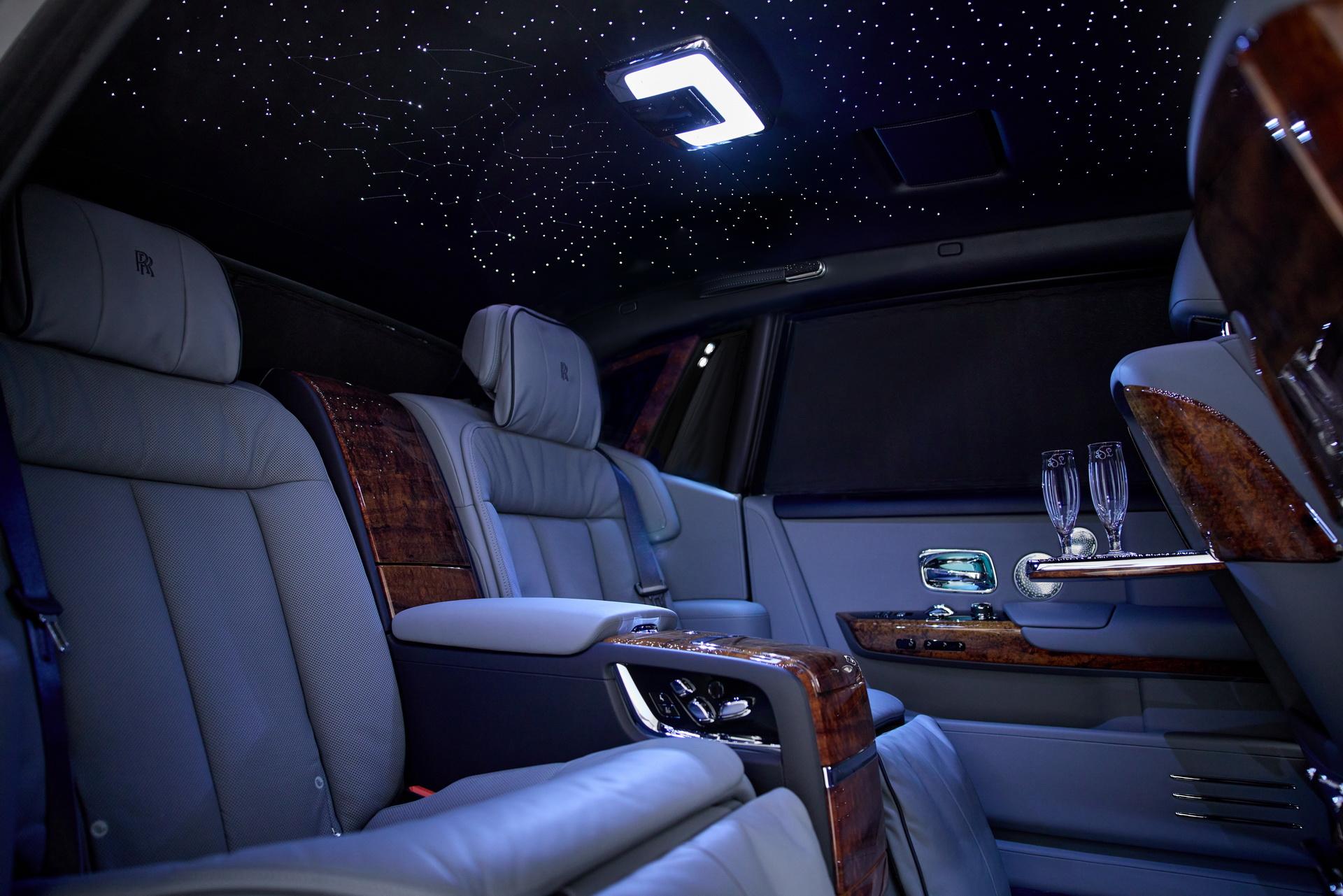 Rolls-Royce Koa Phantom 2021: Mất 3 năm để sản xuất với loại gỗ cực hiếm 2021-rolls-royce-koa-phantom-7.jpg