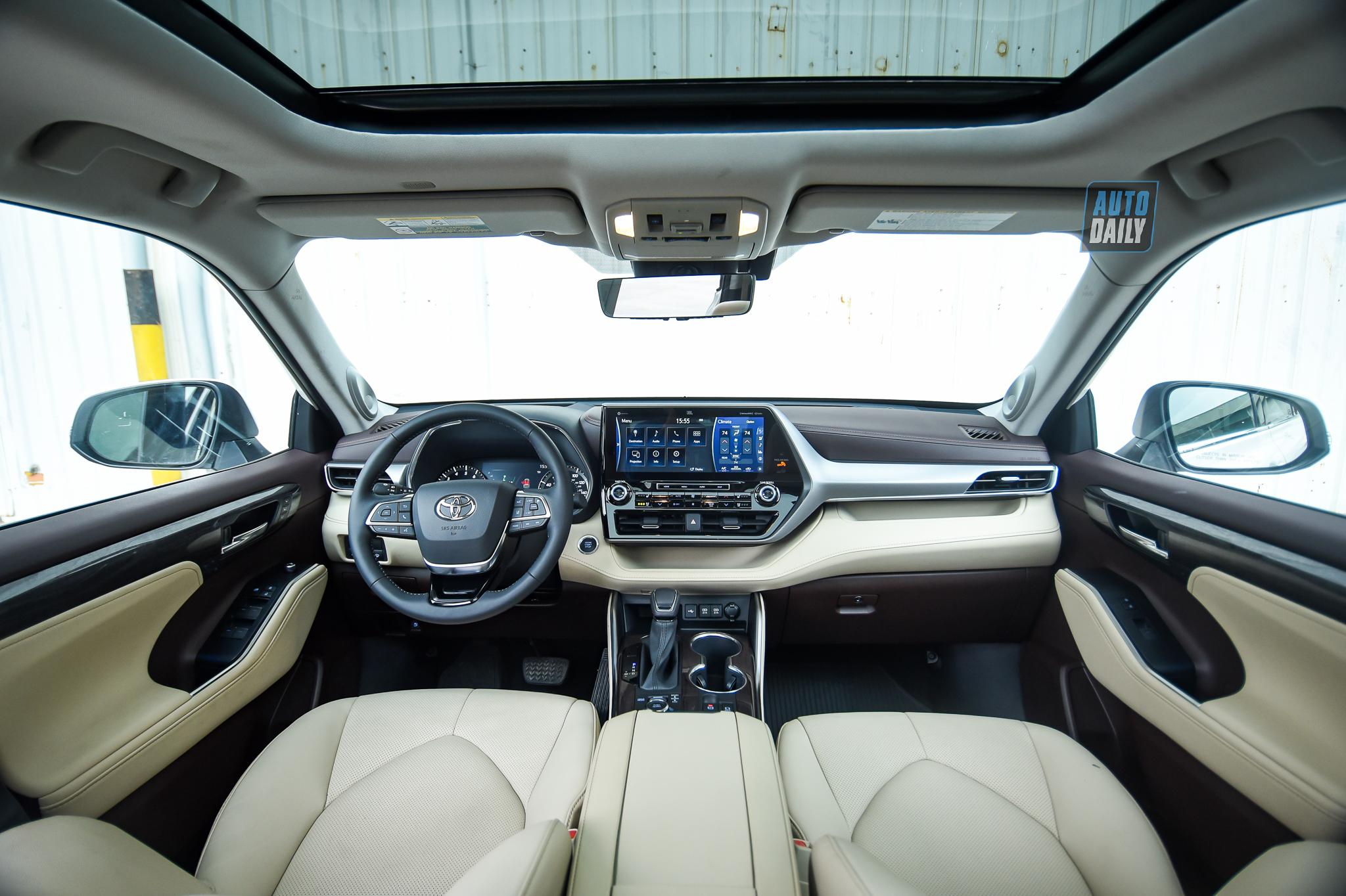 Ảnh chi tiết Toyota Highlander Platinum 2021 giá hơn 4 tỷ tại Việt Nam