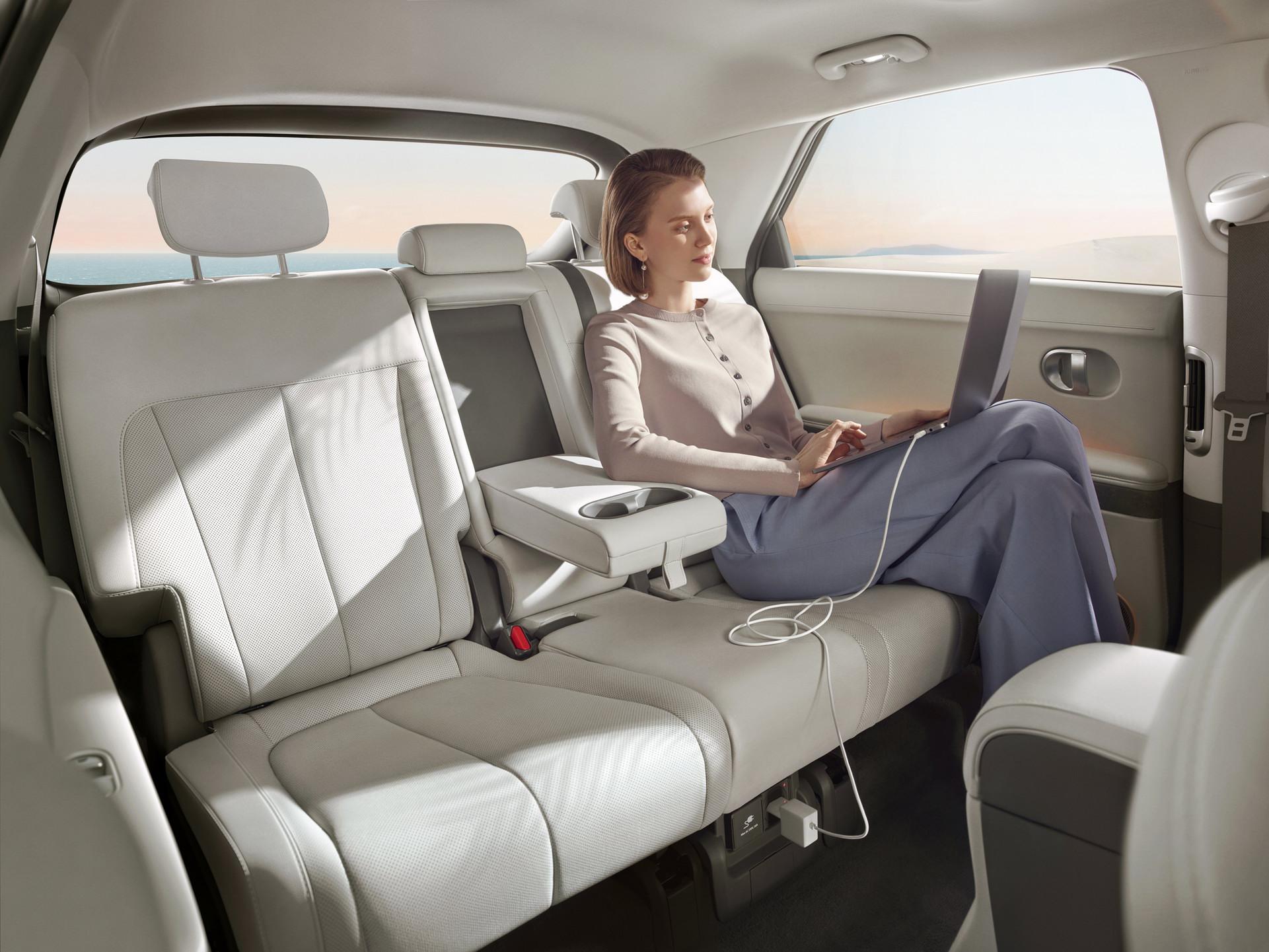 Xe điện hyundai Ioniq 5 2022 chốt giá từ 45.000 USD Hyundai Ioniq 5 2022 ra mắt với khả năng sạc cực nhanh hyundai-ioniq-5-28.jpg