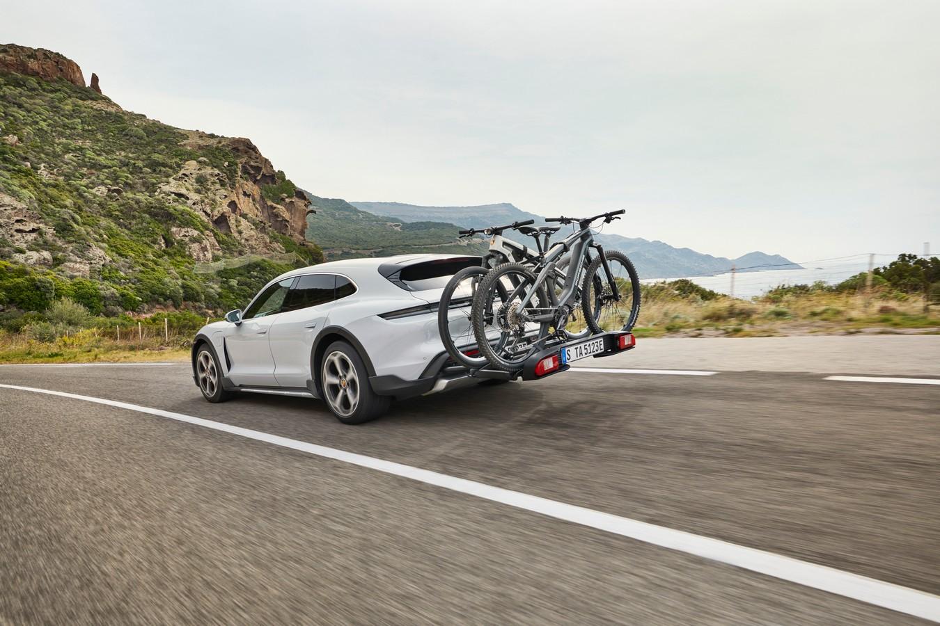 Porsche Taycan Cross Turismo có giá từ hơn 5 tỷ đồng tại Việt Nam Porsche-Taycan-Cross-Turismo (1).jpg