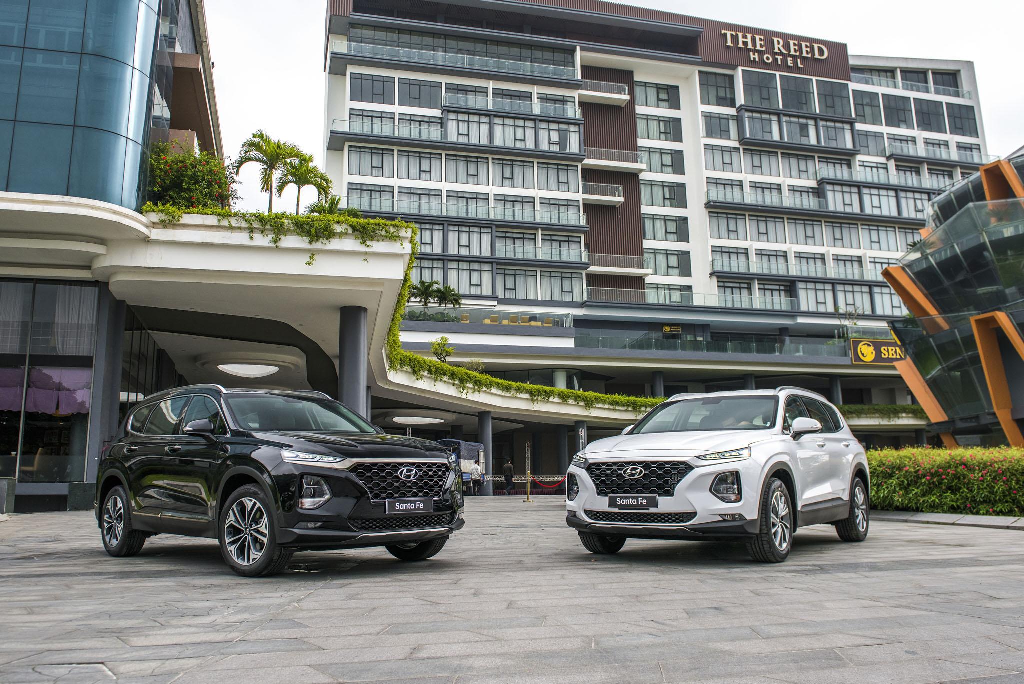 Doanh số xe Hyundai tháng 2/2021 giảm mạnh, đạt hơn 3.000 xe hyundai-santa-fe.jpg