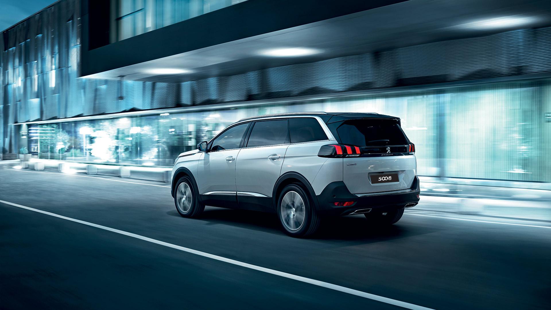 """Peugeot 5008 - Đối thủ """"nặng ký"""" trong phân khúc SUV 7 chỗ peugeot-5008-04.jpg"""