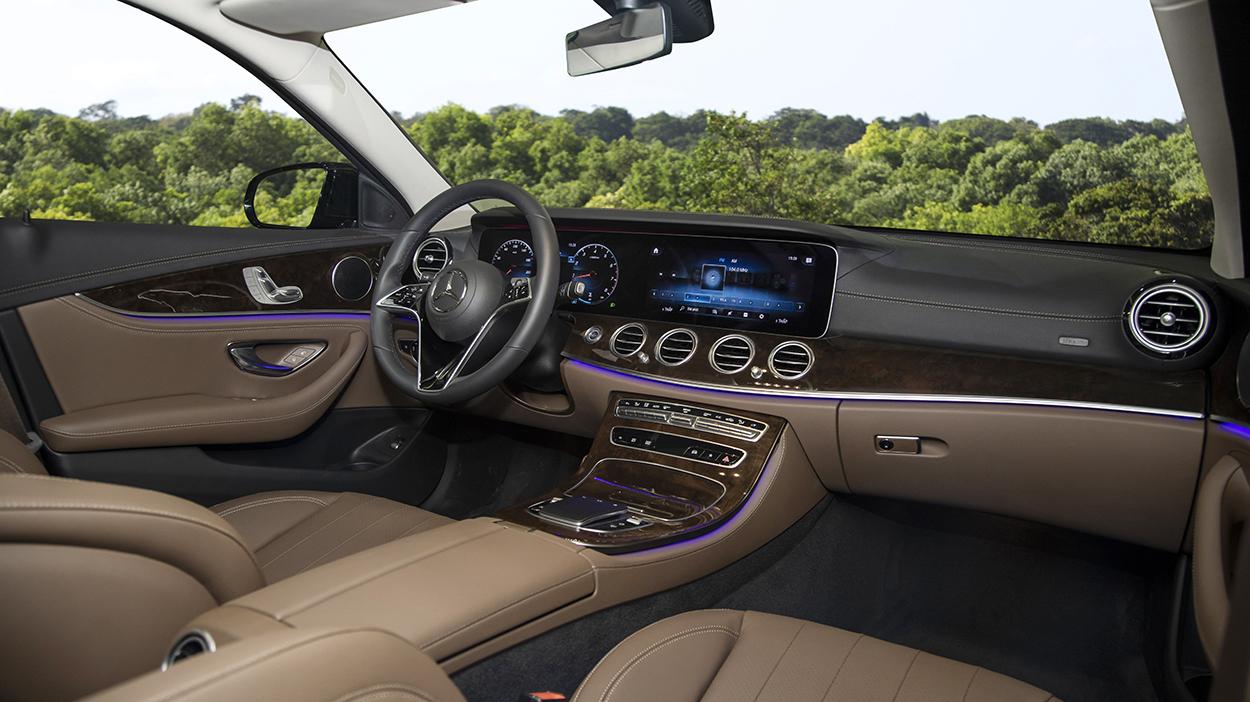 Mercedes-Benz E-Class 2021 chính thức ra mắt tại Việt Nam, giá từ 2,31 tỷ đồng mercedes-benz-e-200-1.jpeg